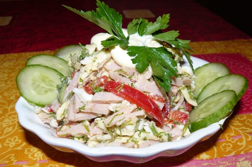 Салат с ветчиной и сыром фото